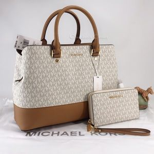 NWT Michael Kors Savannah Large And Wallet